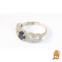 انگشتر جواهری نگین یاقوت کبود