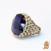 انگشتر پولکی نگین یاقوت کبود آفریقایی وزن سنگ ۵۰.۵ قیراط