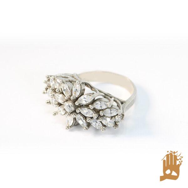 انگشتر جواهرنشان نگین اتمی